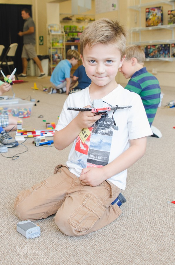 play-well-LEGO-Jedi-Summer-Camp